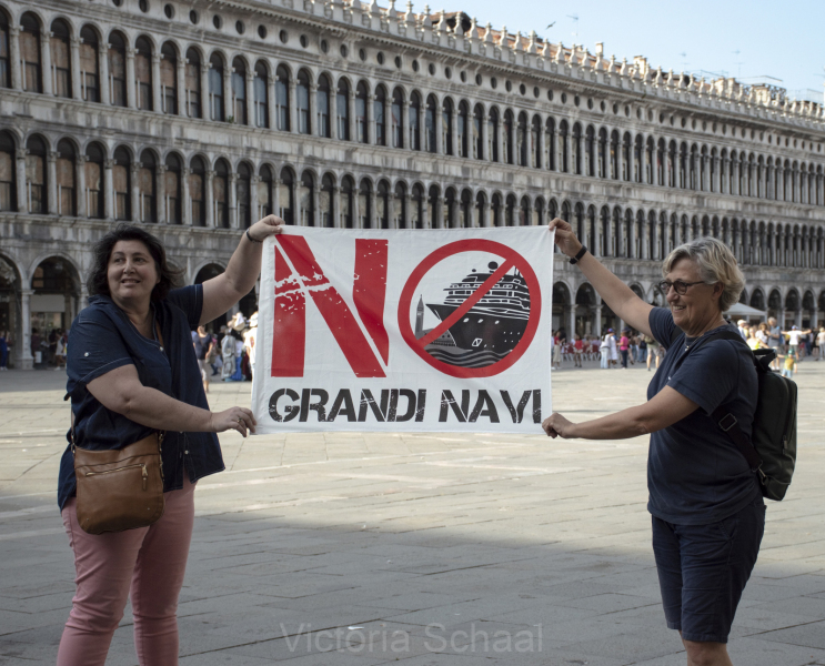 Protesters against cruise ships in Venice